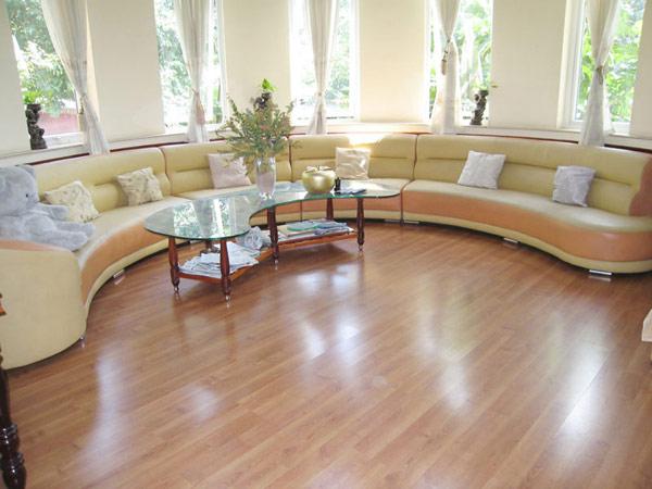 sàn gỗ kaind 12mm, sàn gỗ công nghiệp sáng màu